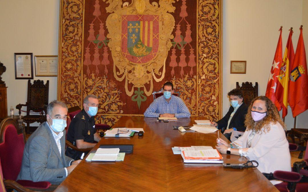 Alberto Blázquez se reúne con Policía Local y Policía Nacional para reforzar la coordinación frente a ocupaciones