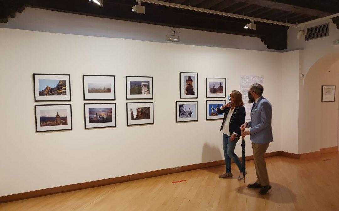 Abierta al público la exposición homenaje a Baldomero Perdigón